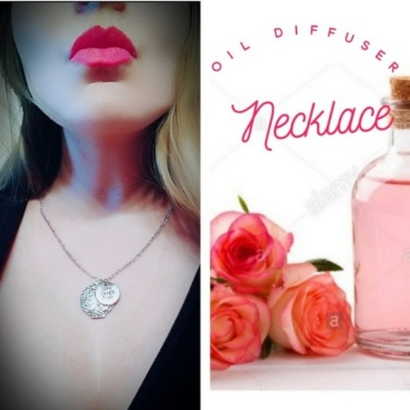 PrEsTiNeDeSiGn Jewelry - 🔥2/$10🔥DEAL! Oil Diffuser Necklace Aroma Enhance